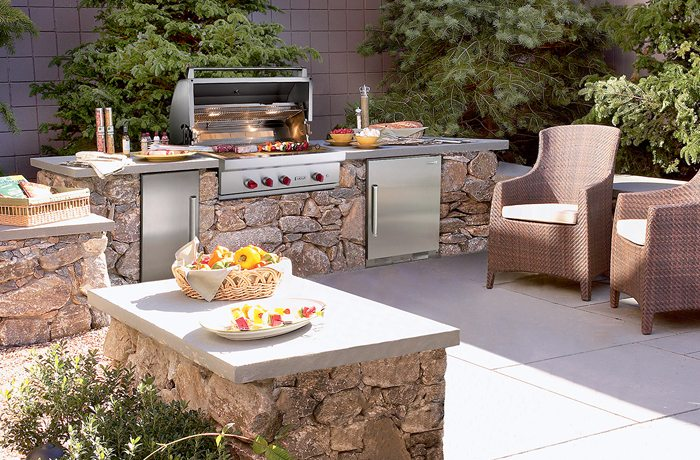Clarke also offers inspiration for outdoor kitchens with Wolf gas grills, outdoor refrigerators, warming drawers (perfect for towels!) and more.