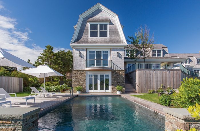 A Contemporary Shingle Style Home Designed By Hutker Architects