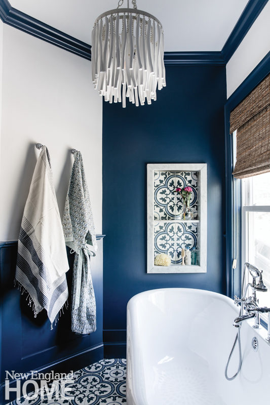 bathroom, pendant light, bathtub