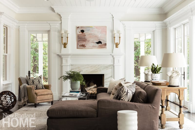 This Traditional Home is an Art Collector\'s Dream - New England Home ...
